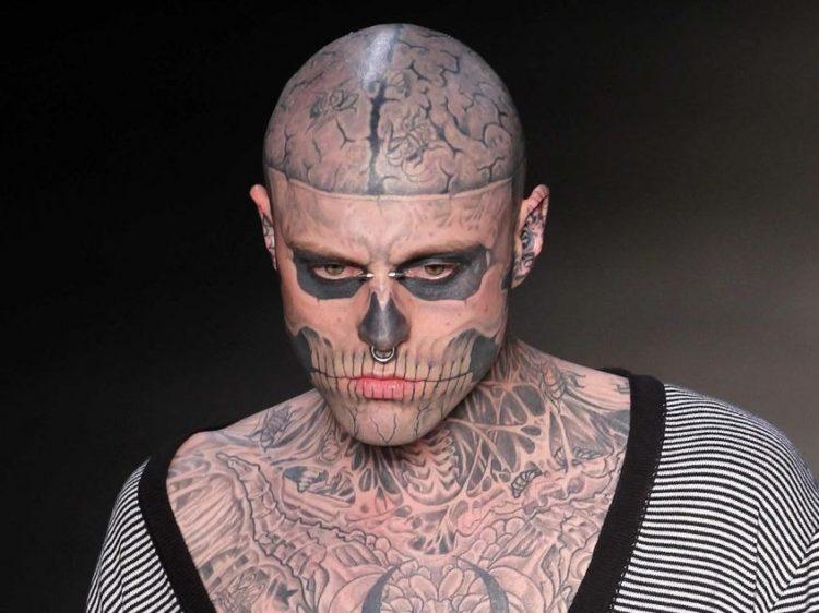 Zombie Boy, il modello più tatuato del mondo, è stato trovato morto
