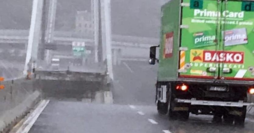 sondaggi politici, Ponte Morandi Genova camion Ponte Genova