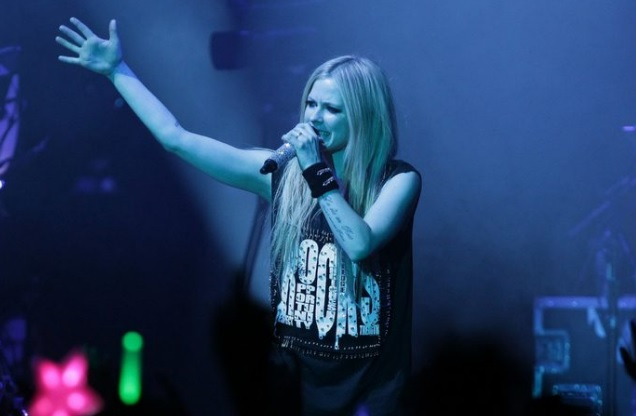Malattia di Lyme sintomi cura e terapia come sta Avril Lavigne