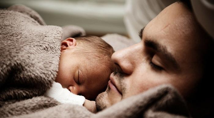 Congedo di paternità: proroga rischio stop