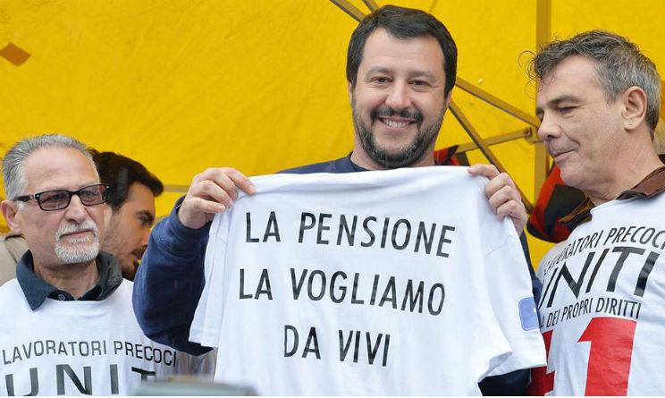 Pensioni, Salvini promette: