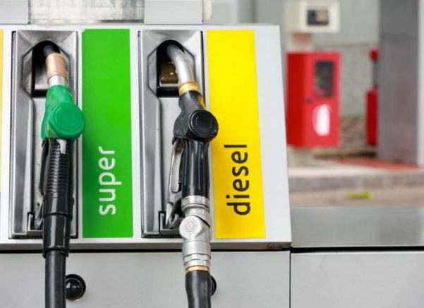Benzina e diesel nuovi nomi carburanti da ottobre, cosa cambia in Europa