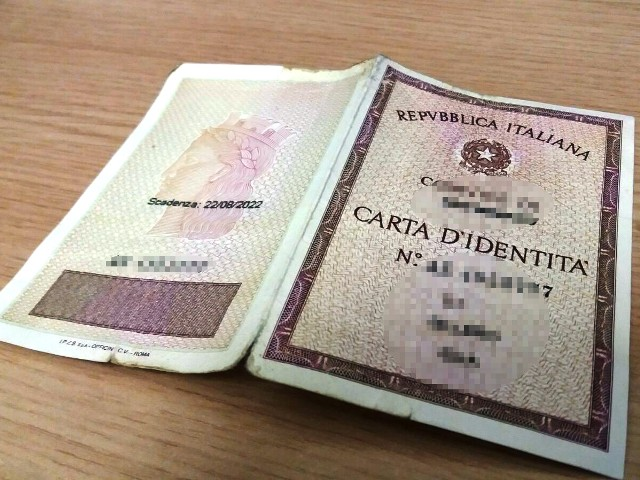 Carta d\'identità scaduta o smarrita: costo duplicato e come farla