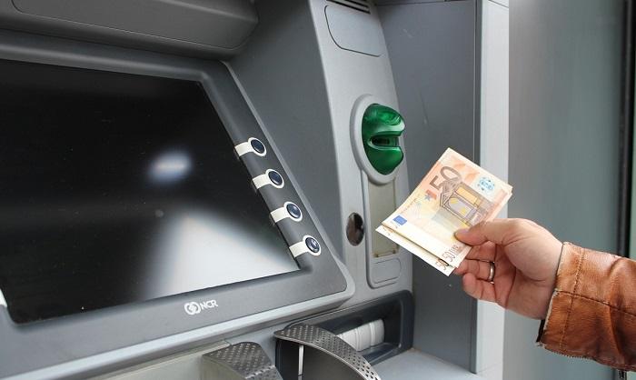 Conto corrente: costo versamenti prelievi, aumento 2018