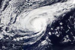 Uragano Leslie: danni, previsioni e traiettoria. Cosa sta succedendo