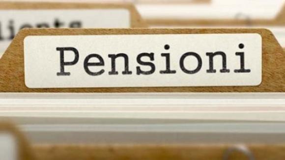 Pensioni e quota 100, il taglio automatico dell'importo