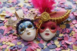 5 marzo 2019, auguri Carnevale: immagini e citazioni Whatsap