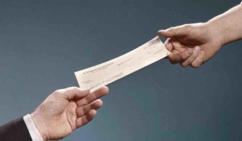 Assegno bancario con sbarramento speciale come si incassa e quando