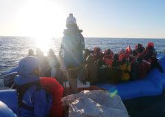 """Nave Mare Jonio a Lampedusa: posizione e diretta, Salvini """"sono centri sociali"""""""
