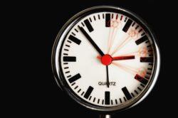 Quando torna l'ora solare in Italia: data e orario per spost