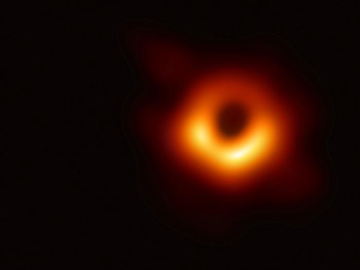 Chi è Katie Bouman algoritmo, foto buco nero e carriera. La storia