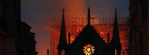 Guglia di Notre Dame, materiale e perché è crollata prima del soffitto