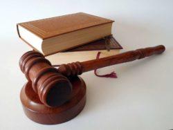 Causa di lavoro |  tempi e testimoni falsi |  come farli riconoscere