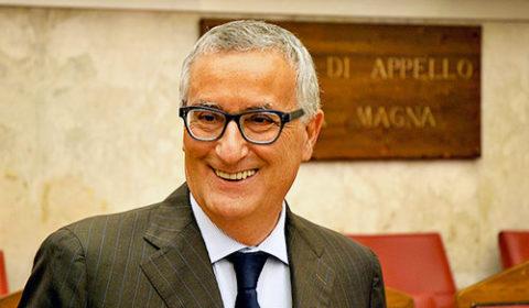"""Franco Roberti (Pd): """"I magistrati non scendano in piazza contro Salvini"""""""
