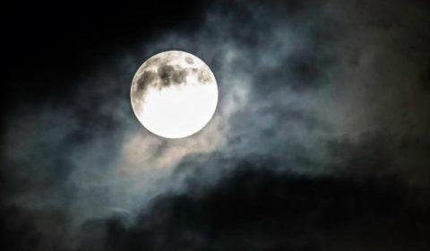 Luna piena 18 maggio 2019: significato calendario lunare e dove vederla
