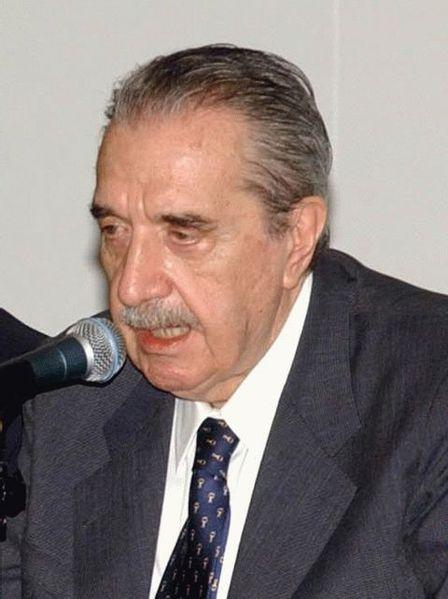 l'argentino Raul Alfonsin