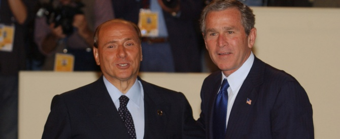 a sinistra berlusconi e a destra george bush