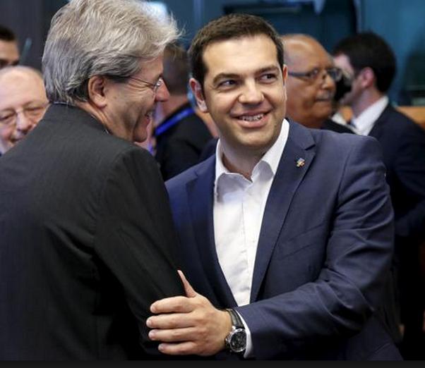 premier grecia tsipras stringe la mano a gentiiloni