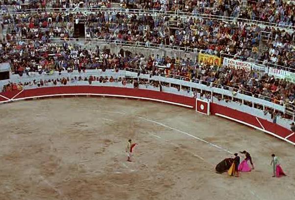 arena e tribuna di una corrida in spagna