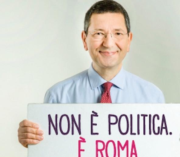 marino con il cartello con la scritta non e politica e roma recita il cartello