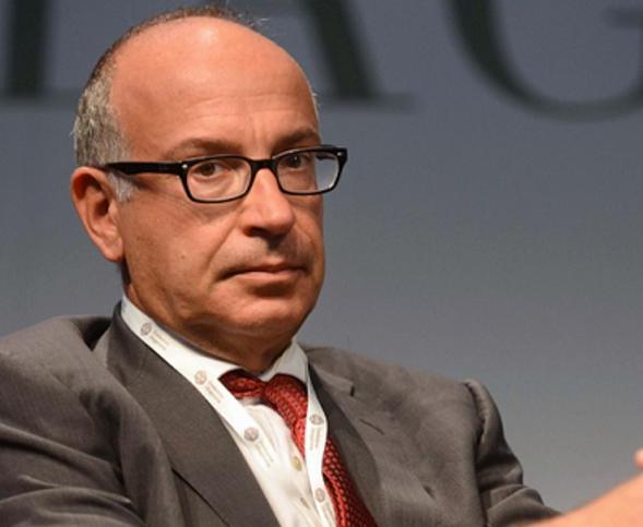 spending review, yoram gutgeld, perotti, l'economista vicino a renzi di profilo con occhiali e vestito con giacca e cravatta