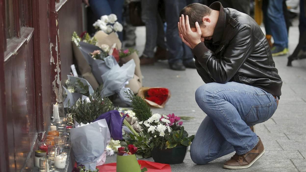 terrorismo francia, attentati di parigi, ritiro del passaporto