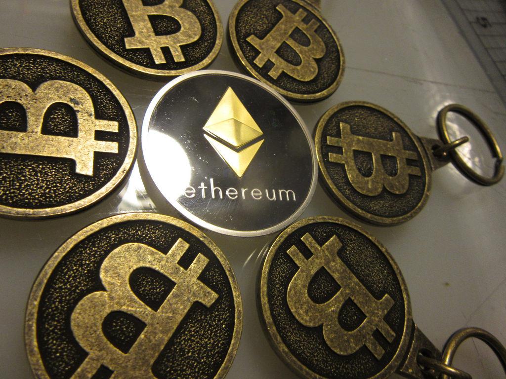 Bitcoin ed Ethereum a confronto