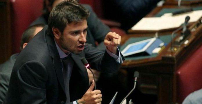 pensioni ultime novità, Alessandro Di Battista, gaffe su Hollande Premio Nobel