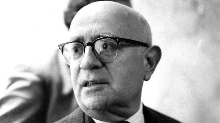 Theodor Adorno filosofia individuo e organizzazione