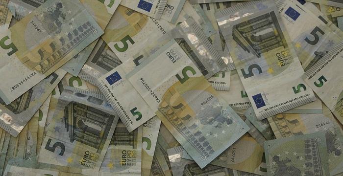 Reddito di cittadinanza dal 2019: M5S e Lega trattano su importo