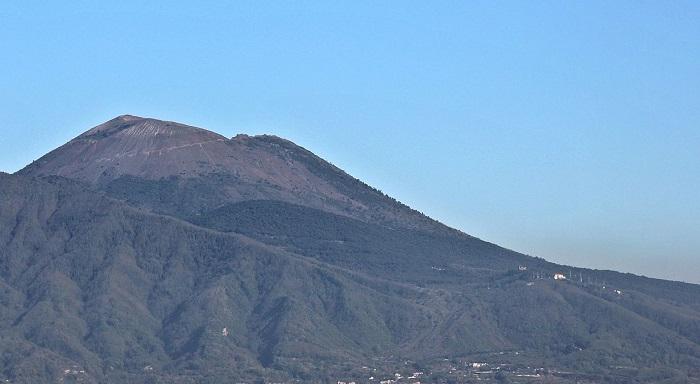 Terremoto Vesuvio: 16 scosse, vulcanologo allarma
