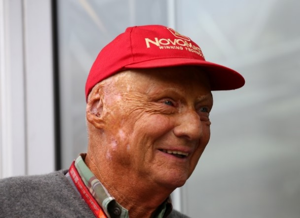 Niki Lauda è gravissimo condizioni di salute dopo il trapianto al polmone