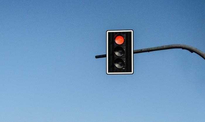 Multa semaforo rosso: importo e come non pagare