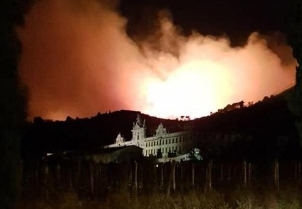 Incendio Pisa cause e numero sfollati Cosa è successo ok