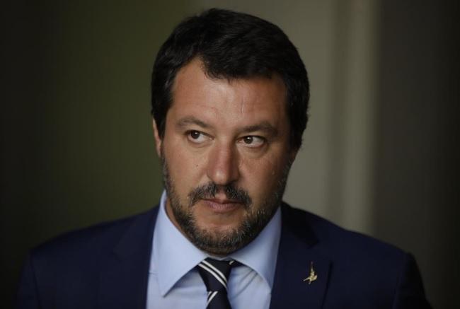 sondaggi politici, sondaggi elettorali, Biografia di Matteo Salvini, che affronta luigi di maio. Sondaggi politici Demos porti chiusi, il Nord Est si schiera con Salvini. Gad Lerner attacca Matteo Salvini