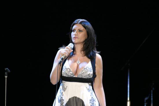 Laura Pausini: figli, marito, canzoni e tour 2019. Carriera