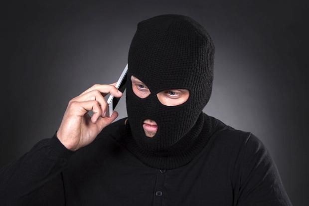 Conto corrente e carta di credito: truffa vishing, come azzerano il saldo