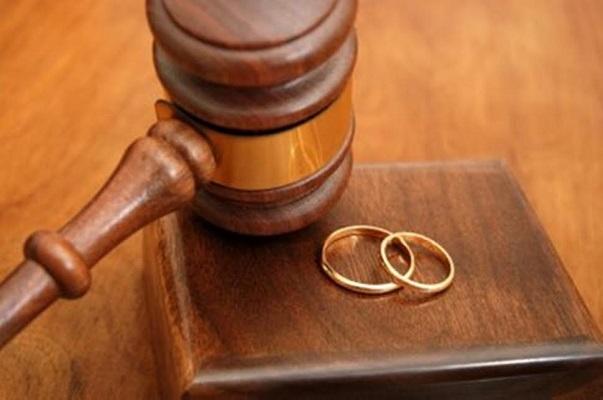 TFR e sentenza divorzio quanto spetta al coniuge e suddivisione