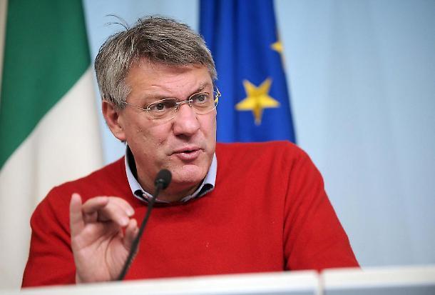 """sondaggi politici, Patrimoniale conto corrente e immobili: Cgil """"equa"""", Di Maio """"Non ci sarà"""""""