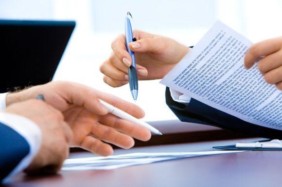Contratto di lavoro e dimissioni, quando si può firmare per la legge