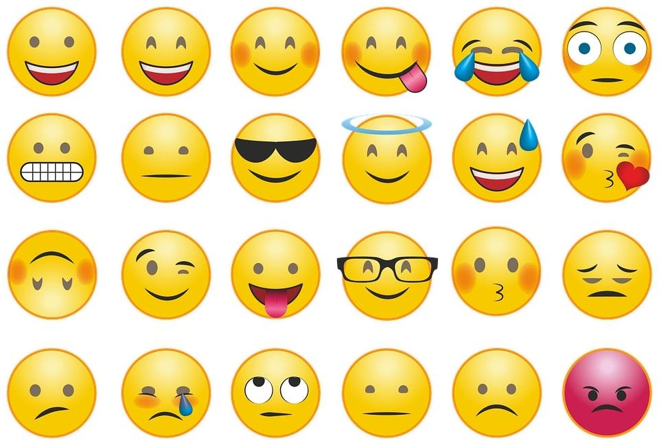 Emoticon messaggi significato legale, cosa dice la legge e casi