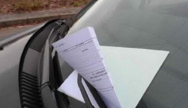 Multa divieto di sosta con guidatore in auto quando e in che occasione