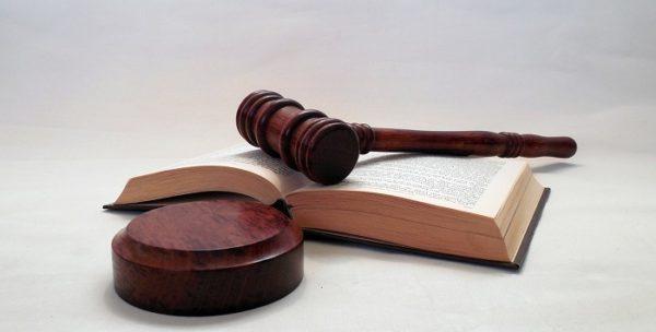 Cambio nome e cognome motivi, procedura cosa dice la legge