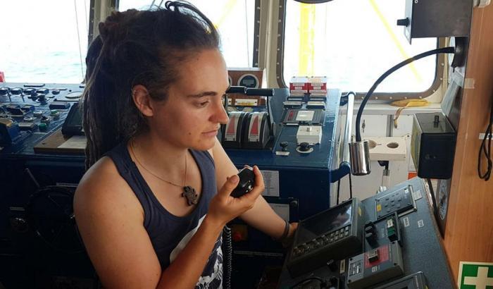 Chi è Carola Rackete il capitano della Sea Watch 3 e cosa rischia