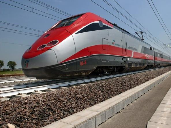 "sondaggi politici, Matteo Salvini: Tav leggera ""a me piacciono i treni che corrono"""
