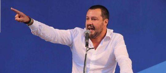 """Matteo Salvini """"Tria nostro ministro, porterà avanti taglio delle tasse"""""""