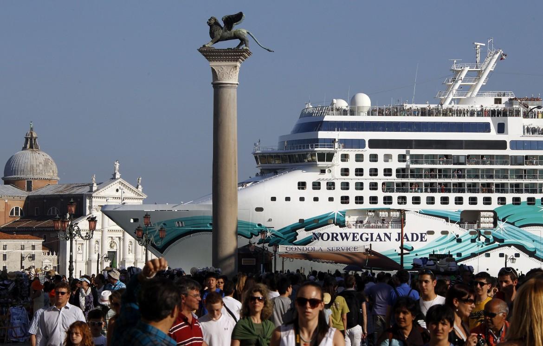 Costa Deliziosa Venezia: incidente sfiorato in banchina. Cos'è successo