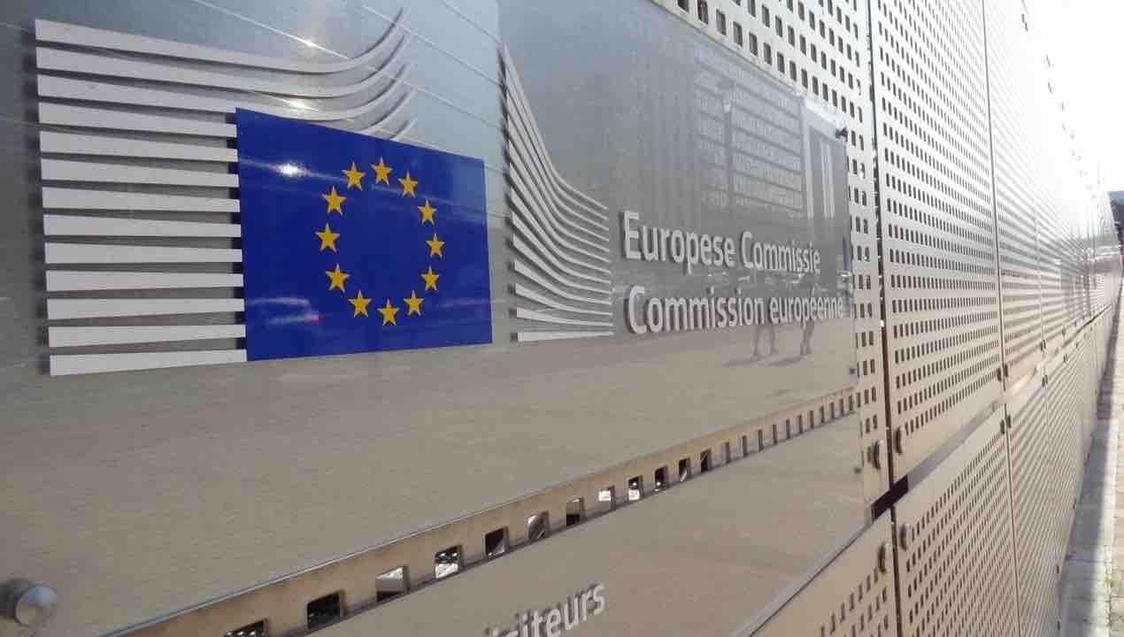 Quanto guadagna il presidente della commissione europea e che ruolo svolge