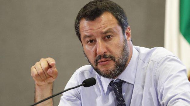"""Matteo Salvini: """"Aggrappati a poltrone per non far votare"""""""
