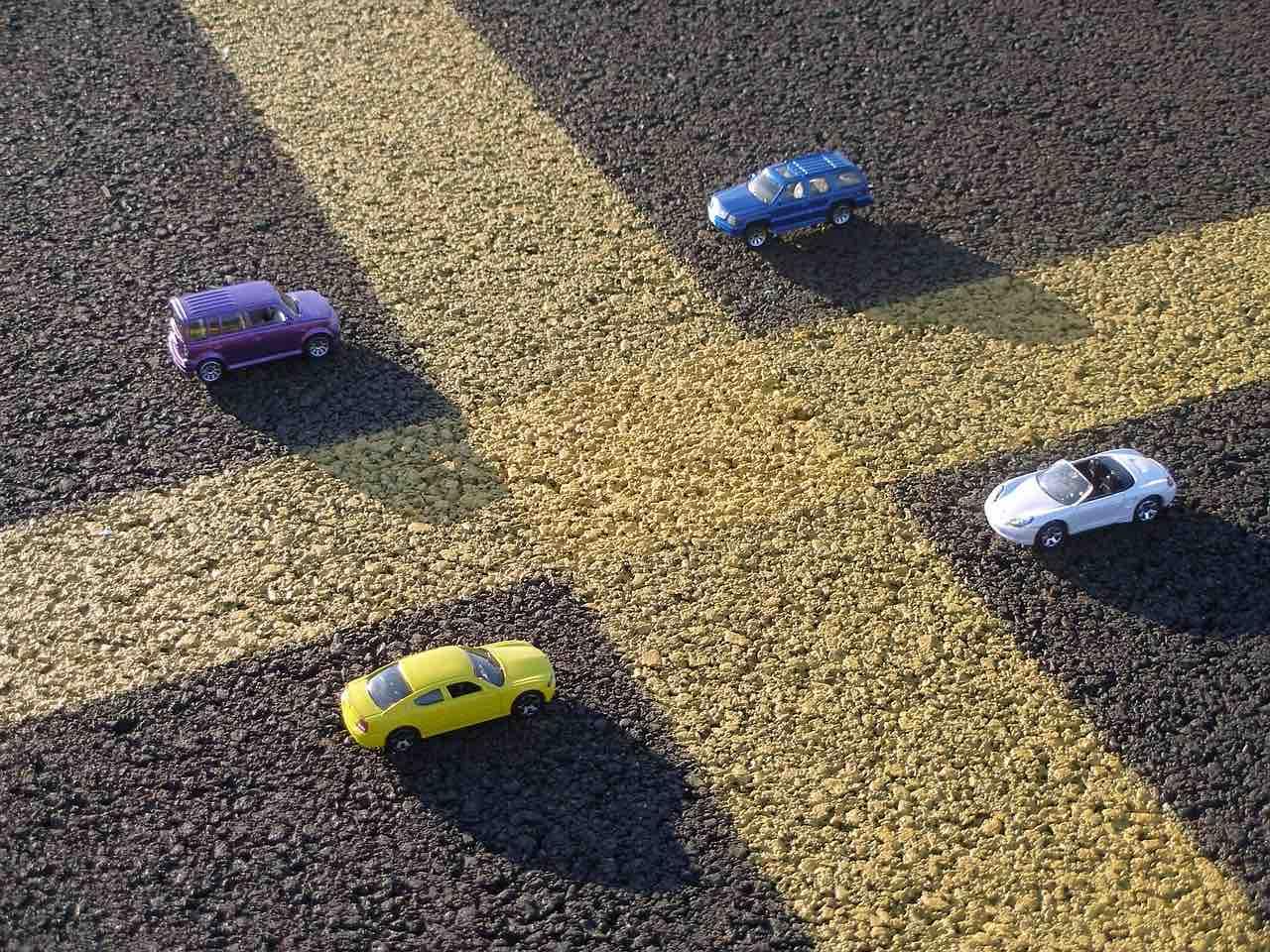 automobili su strada